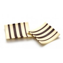 145 szt. PASSAT dekoracja z białej i ciemnej czekolady dł. 47 mm 331556 Barbara Decor